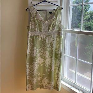 Green/white dress